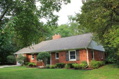 Photo of 7418 N Boyd Way, Fox Point, WI 53217
