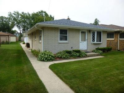 Photo of 815 Sherman Ave, South Milwaukee, WI 53172