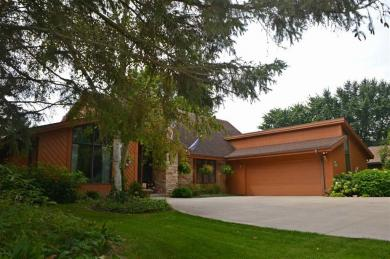 W1951 Camelot Trace, Green Lake, WI 54941