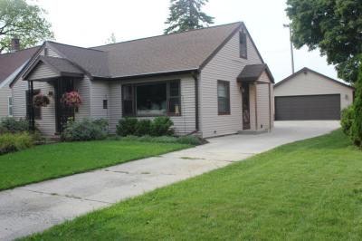 Photo of 1106 Kensington Ave, Plymouth, WI 53073