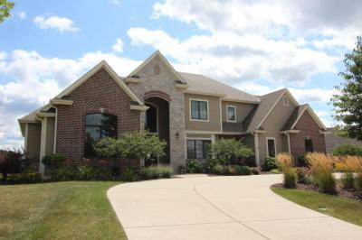 Photo of 1241 Mary Hill Cir, Hartland, WI 53029