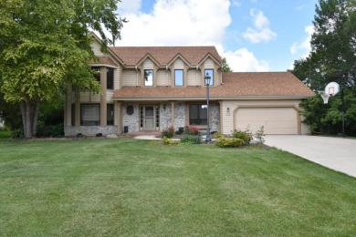 W151N10183 Windsong Cir W, Germantown, WI 53022