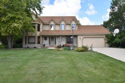 Photo of W151N10183 Windsong Cir W, Germantown, WI 53022