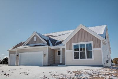 Photo of 765 Autumn Ridge Ln, Hartford, WI 53027