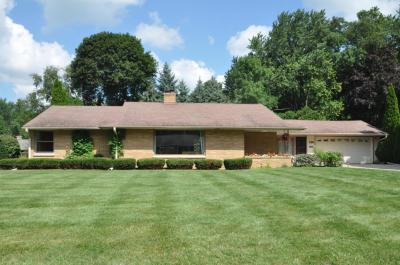 Photo of 326 Grand Ave, Thiensville, WI 53092