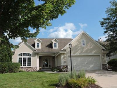 Photo of W202N17324 Oakwood Dr, Jackson, WI 53037