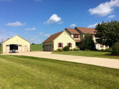 Photo of 5428 Meadowview Ln, Addison, WI 53027