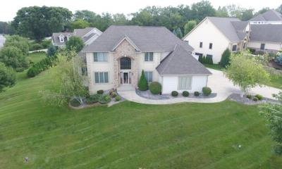 Photo of W217N5422 Taylors Woods Dr, Menomonee Falls, WI 53051