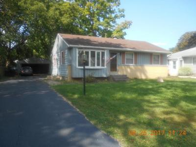 Photo of 5427 S 114th St, Hales Corners, WI 53130
