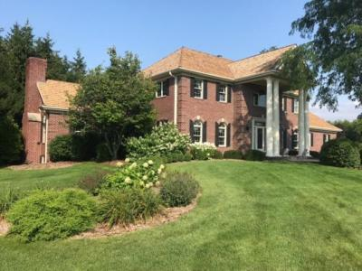 Photo of N28W30642 Red Fox Ct, Delafield, WI 53072