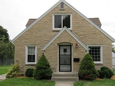 Photo of 405 North St, Plymouth, WI 53073