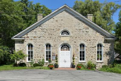 Photo of 236 Hamilton Rd, Cedarburg, WI 53012