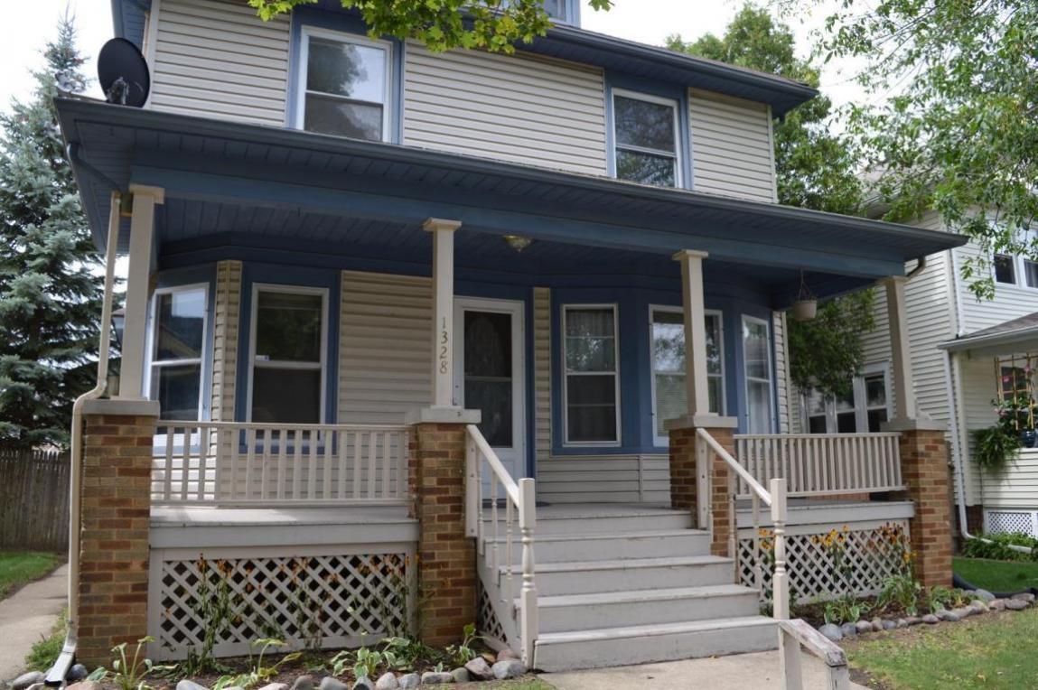 1328 Arthur Ave, Racine, WI 53405