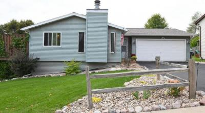 Photo of 826 Squire Ln, West Bend, WI 53090