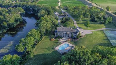 Photo of 1700 Pioneer Rd, Grafton, WI 53012