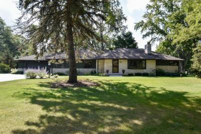 Photo of 12745 Lee Ct, Elm Grove, WI 53122