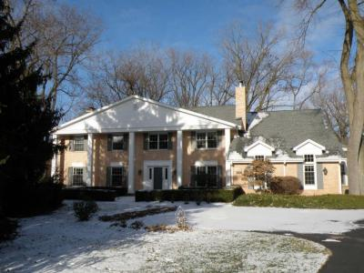 Photo of 16240 Wildwood Ct, Brookfield, WI 53005
