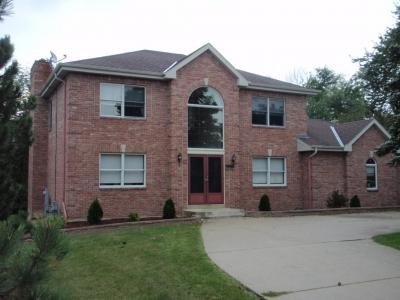 Photo of 3750 S River Ridge Blvd, Greenfield, WI 53228