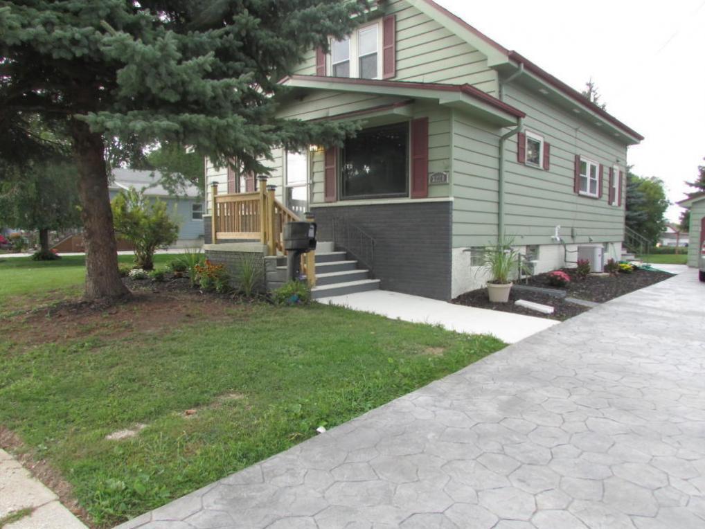 3220 E Grange Ave, Cudahy, WI 53110