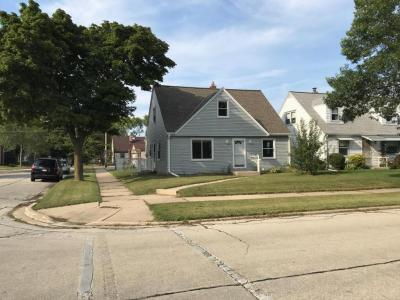 Photo of 2804 E Armour Ave, St Francis, WI 53235