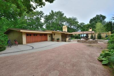 Photo of 3378 N Lake Dr, Milwaukee, WI 53211