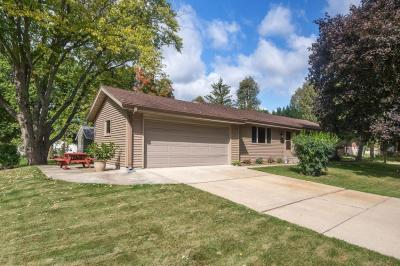 Photo of 251 Carlin Ct, Hartland, WI 53029