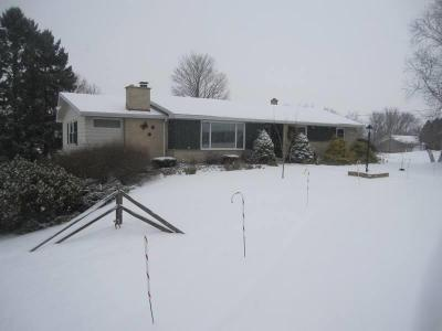 Photo of 908 Armstrong Ave, Howards Grove, WI 53083