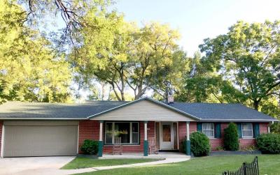 Photo of 1536 W Fairfield Ct, Glendale, WI 53209