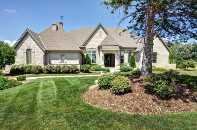 Photo of 18870 Chapel Hill Dr, Brookfield, WI 53045