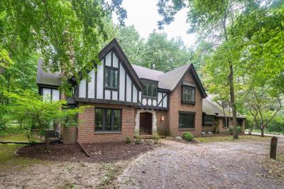 Photo of 15300 Brojan Dr, Elm Grove, WI 53122