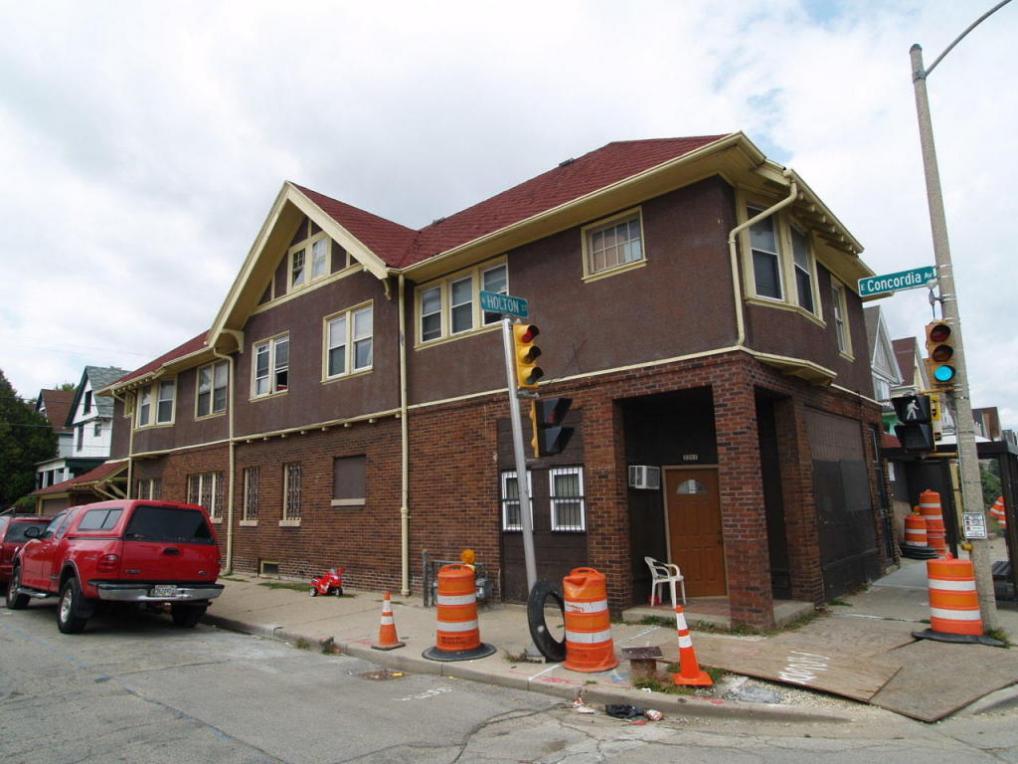 3301 N Holton St, Milwaukee, WI 53212