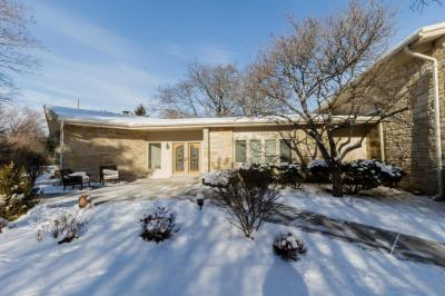 Photo of 9460 N Spruce Rd, River Hills, WI 53217