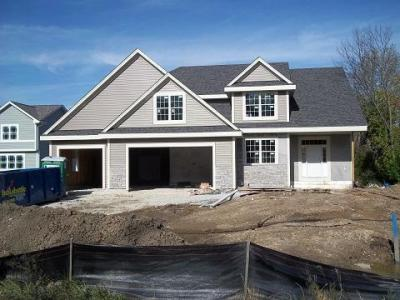 Photo of 380 E Forest Hill Ave, Oak Creek, WI 53154