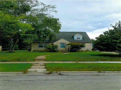 Photo of 802 Fairview Ave, South Milwaukee, WI 53172