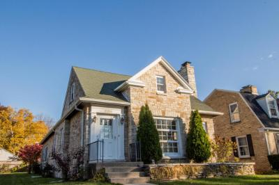 Photo of 5128 N Hollywood Ave, Whitefish Bay, WI 53217