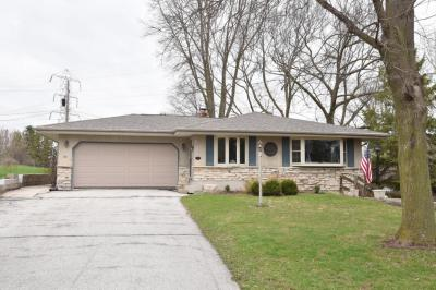Photo of 62 Evergreen Dr, Plymouth, WI 53073