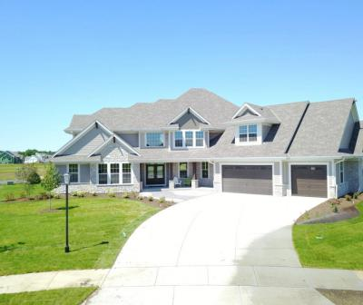 Photo of 108 Sycamore Ct, Hartland, WI 53029
