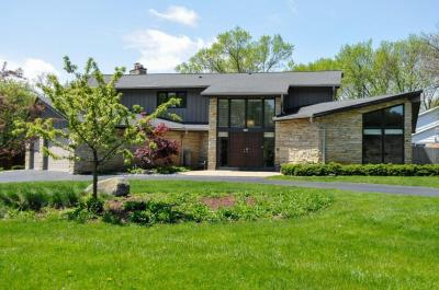 Photo of 2105 W Applewood Ln, Glendale, WI 53209
