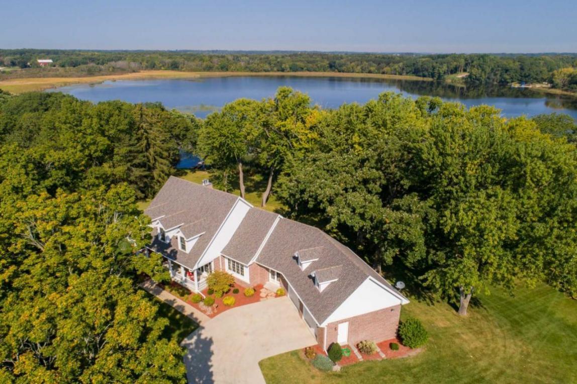 4111 Dyer Lake Rd, Wheatland, WI 53105