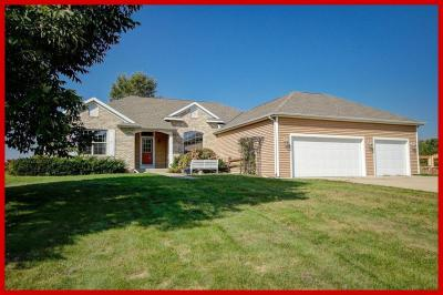 Photo of N6809 Canter Ct, Lake Mills, WI 53551