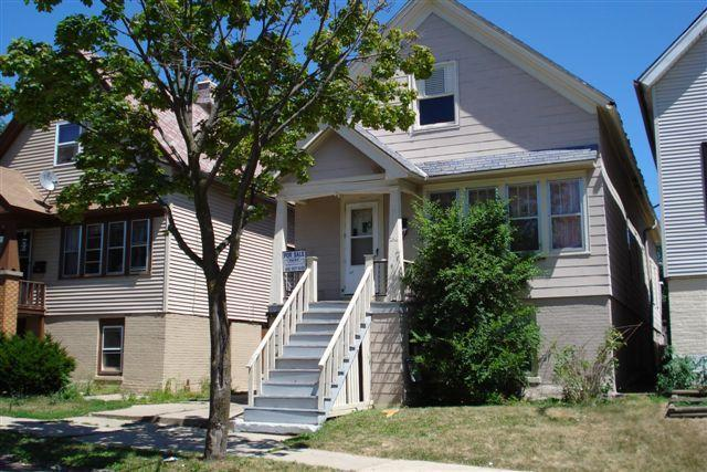 2516 S 7th St, Milwaukee, WI 53215