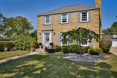 Photo of 130 W Belle Ave, Whitefish Bay, WI 53217