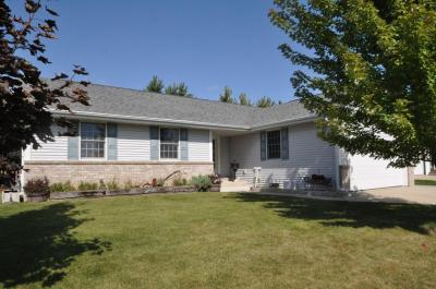 Photo of 370 Settlement Rd, Hartford, WI 53027