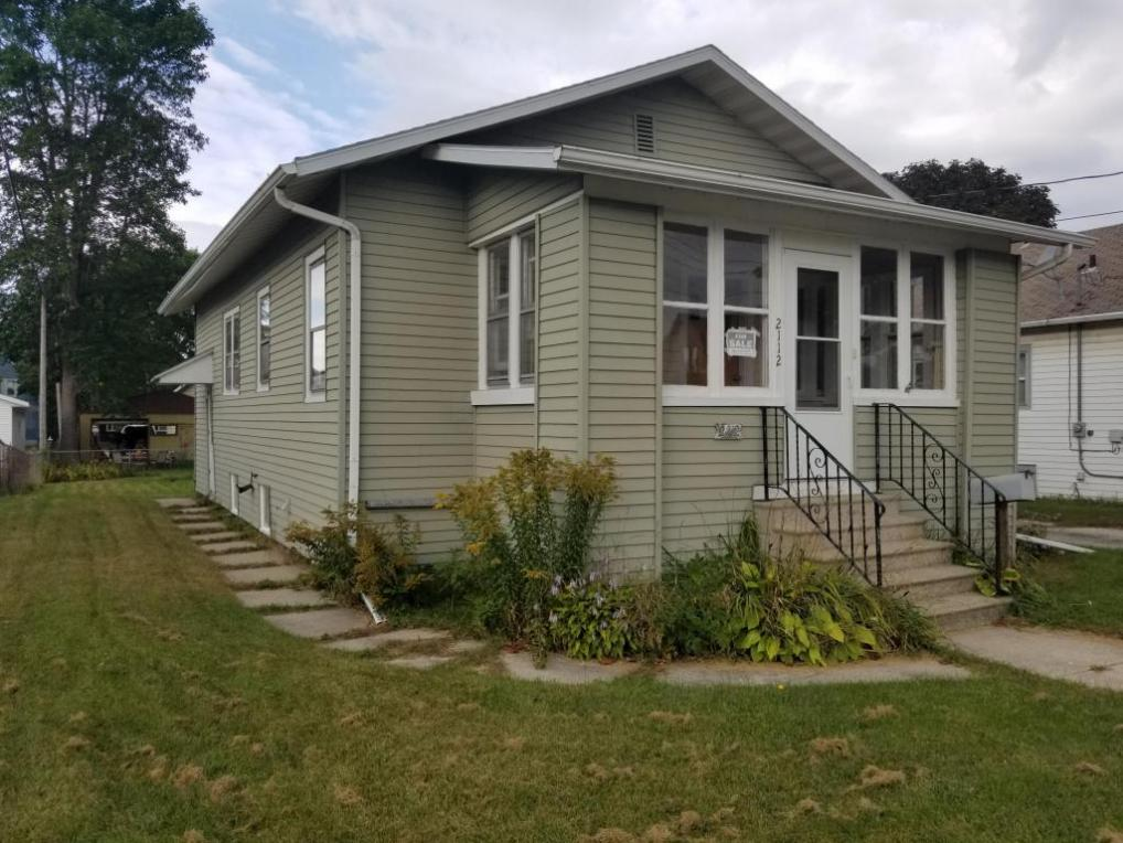 2112 Lincoln St, Two Rivers, WI 54241