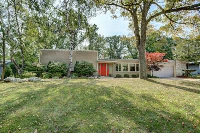 Photo of 2115 W Greenwood Rd, Glendale, WI 53209