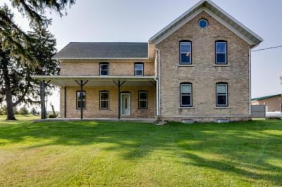 Photo of 891 Kettleview Dr, Kewaskum, WI 53040