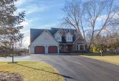 Photo of 10391 Ridgefield Ct, Cedarburg, WI 53012
