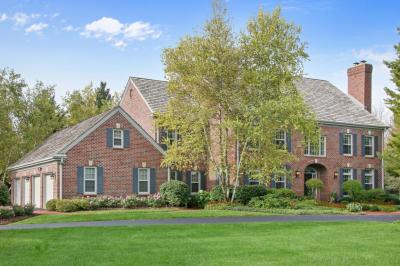 Photo of 9855 W Hawthorne Rd, Mequon, WI 53097