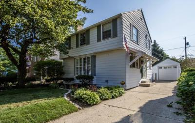 Photo of 4918 N Hollywood Ave, Whitefish Bay, WI 53217