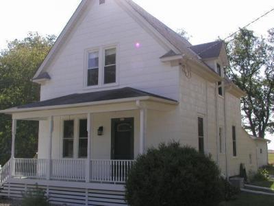 Photo of 573 W Oakwood Rd, Oak Creek, WI 53154
